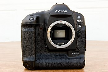 This is my favorite digital single lens reflex...