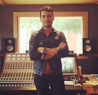 Carlos de la Garza (music producer)