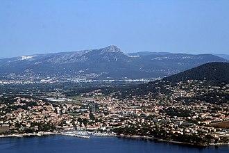 Carqueiranne - An aerial view of the town
