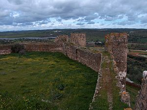 Alandroal - The fortified walls of the castle of Terena