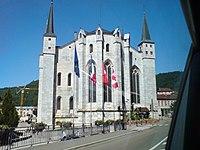 Cathédrale à Saint-Claude.JPG