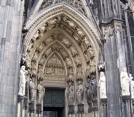 One of the entrances of Cologne Cathedral, which was praised in Ansichten vom Niederrhein Cathedral Arch.jpg