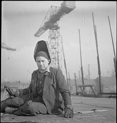 Cecil Beaton Photographs- Tyneside Shipyards, 1943 DB70.jpg