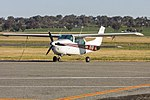 Cessna 210L Centurion (VH-FMT) at Wagga Wagga Airport.jpg