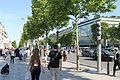 Champs Élysées, Paris 12 June 2014.jpg