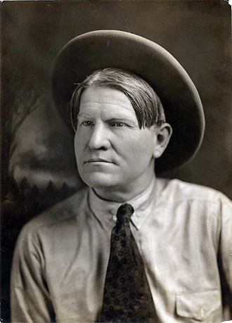 Amon Carter Museum of American Art - Portrait photograph of Charles Marion Russell, ca. 1900