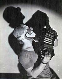 Charlie Rivel 1943.jpg
