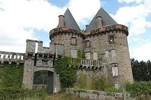Broualan - Image: Chateau de Landal 6