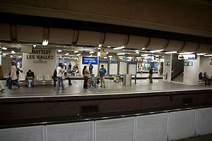 Châtelet - Les Halles Station - Platforms.