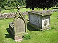Chest tomb, St Swithins - geograph.org.uk - 869101.jpg