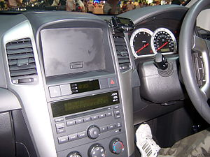 Chevrolet Captiva Interior - Flickr - Alan D.jpg