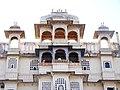 City Palace Udaipur - panoramio - Arastu Gupta.jpg