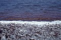 Clear brine, red algae, white salt. Red Pond (38869977711).jpg