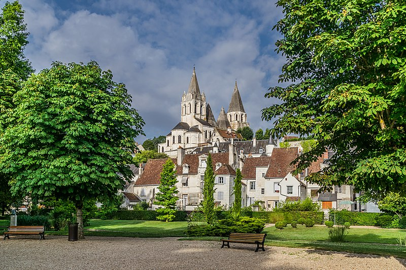 File:Collegiate Saint Ours of Loches 02.jpg
