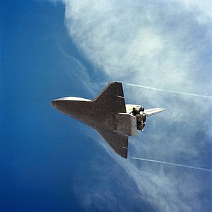 STS-2 - STS-2 on final approach, coming in for its landing after re-entry. Date: 16 November 1981