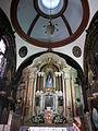 Convento da Penha - altar e cúpula da igreja conventual. Nov. 2007.jpg