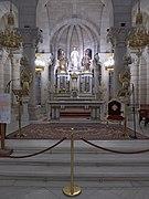 Cripta de la Catedral de la Almudena (Madrid). Altar Mayor.jpg