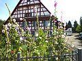 Dürnau - Fachwerkhaus mit Vorgarten.JPG