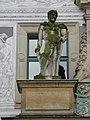 DD-Schlosshof-Portal-2-Herkules.jpg