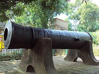 Bir Hambir - Image: Dalmadal Cannon, Bishnupur 2