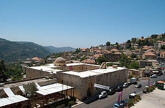 Deir al-Qamar - Panoramic view of Deir al-Qamar. In the foreground the Municipal Council.