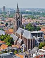 Delft Blick von der Nieuwe Kerk auf die Oude Kerk 4.jpg
