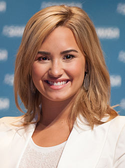 Demi Lovato May 2013.jpg