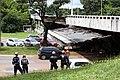 Desaba parte de viaduto do eixo rodoviário de Brasília (40118255111).jpg