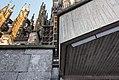 Domplatte Kölner Dom von unten, nördlicher Teil-0985.jpg