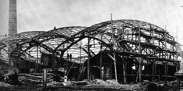 Строительство первых в мире сетчатых оболочек-перекрытий двоякой кривизны конструкции В.Г.Шухова на Выксунском металлургическом заводе, Выкса, 1897