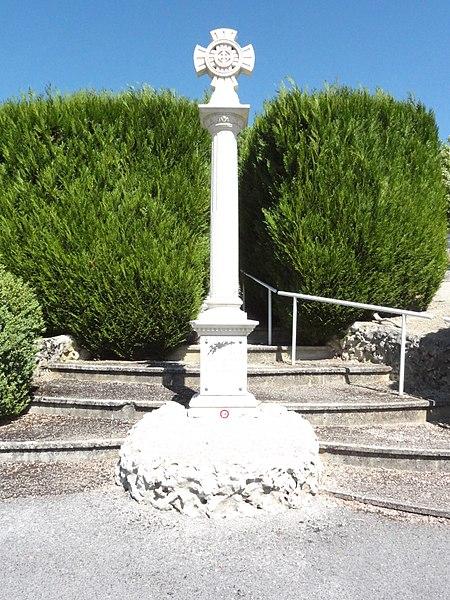 Doulaincourt, cimetière, croix centrale