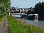 Dourges (Pas-de-Calais, Fr) Canal de la Deûle, pont de l'Autoroute A1.JPG