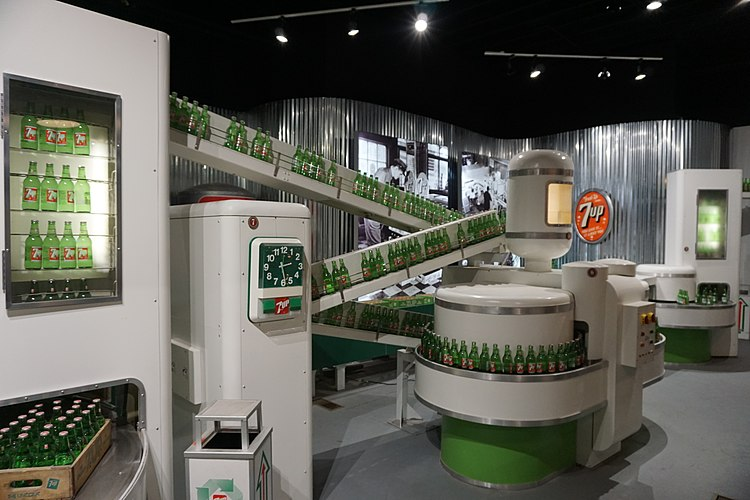 Dr Pepper Museum December 2016 14 (7up bottling exhibit).jpg