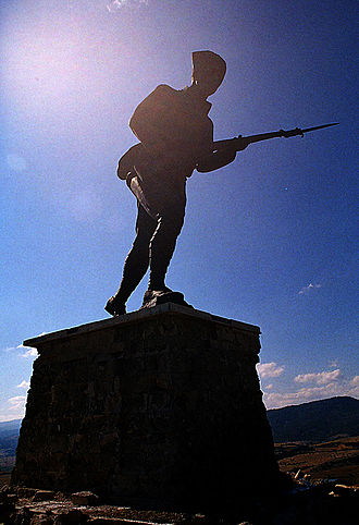 Battle of Dumlupınar - Statue on top of the hill at the memorial for the Battle of Dumlupınar.
