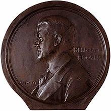 068a95e6825 Medal depicting Herbert Hoover by Devreese Godefroi.