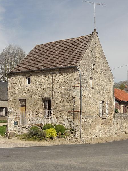 File duvy 60 rue des moulins maison ancienne jpg for Ancienne maison des gardes lourmarin