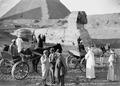 ETH-BIB-Fremdenverkehr vor der Sphinx-Kilimanjaroflug 1929-30-LBS MH02-07-0161.tif