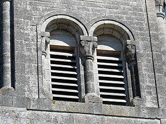 Abat-son - Image: Echourgnac église abat son