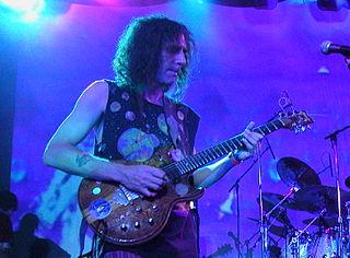 Ed Wynne English guitarist and keyboardist