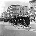 Eenheid vrouwelijk marinepersoneel tijdens de militaire parade in Haifa bij gelegenheid van de eerste verjaardag van Israels onafhankelijkheid op 15 mei 1949.jpg