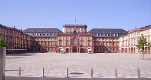 Mannheim school - The courtyard of the palace at Mannheim