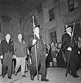 Eisenhower in Amsterdam. Voorafgegaan door pedels en in gezelschap van minister-, Bestanddeelnr 900-8890.jpg