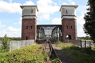 Berlin-Blankenheim railway - Image: Elbebrücke Barby 2012b