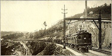 An electric Norfolk and Western train hauling coal during World War I Electric railway journal (1918) (14778733323).jpg