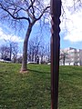 Elements d'il·luminació del Parc de l'Estació del Nord (Beverly Pepper)
