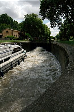 Emborrel Lock on the Canal du Midi.jpg