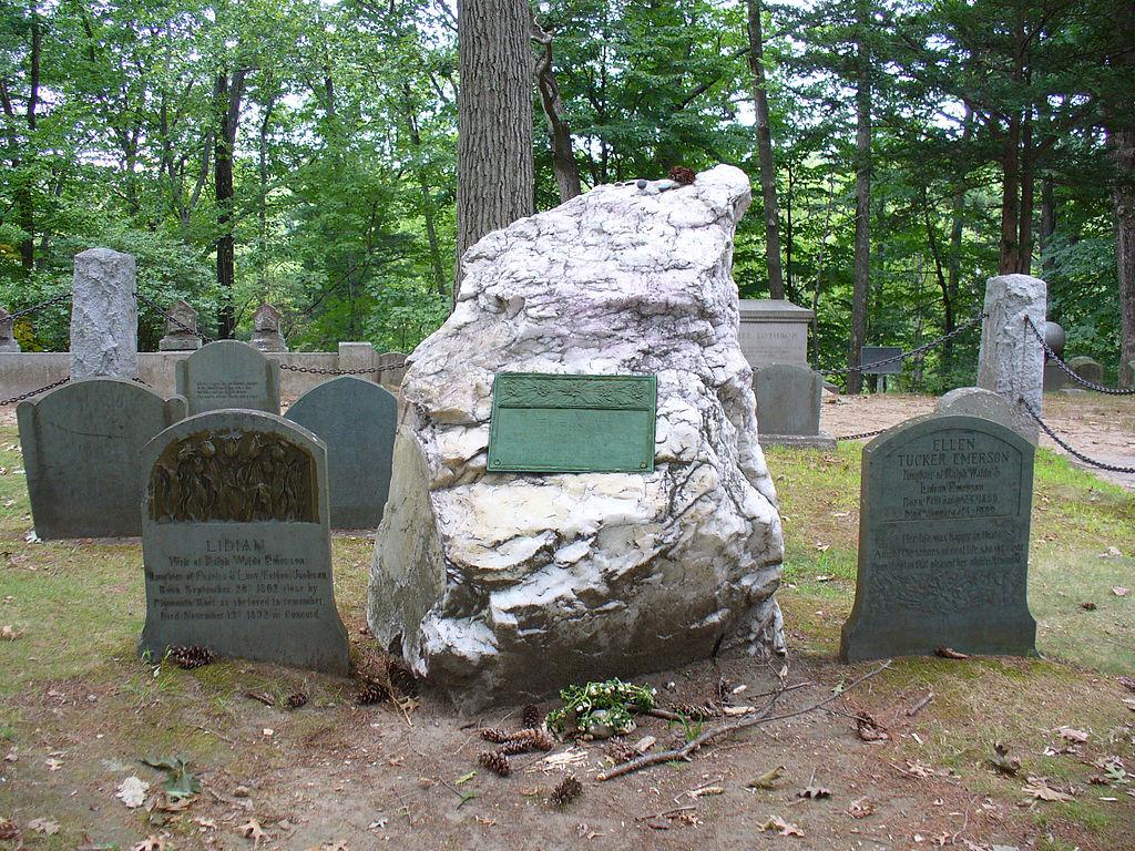 エマーソンの墓 スリーピーホロウ墓地 Wikipediaより