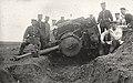 Entgleiste Militär-Feldbahn-Dampflok 183 von vorne.jpg