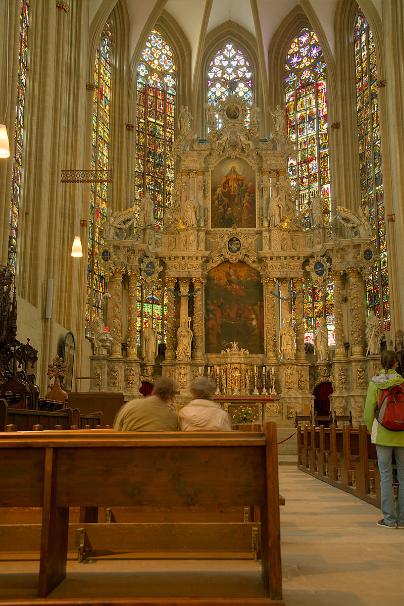 800px-Erfurt_cathedral_chorus_01.jpg