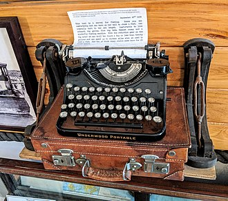 A portable typewriter owned by Ernest Hemingway Ernest Hemingway typewriter.jpg